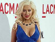 Christina Aguilera pregnant showing cleavage
