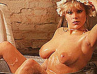 Samantha Fox exposed her fabulous huge boobs